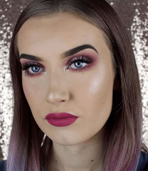 Adorable Valentines Day Makeup Look Ideas 03