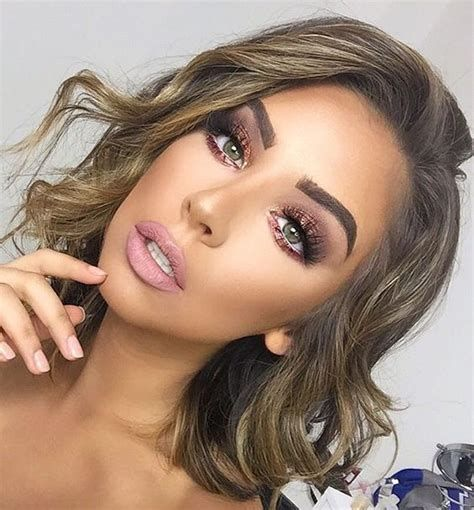 Adorable Valentines Day Makeup Look Ideas 10