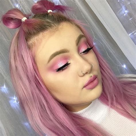 Adorable Valentines Day Makeup Look Ideas 11
