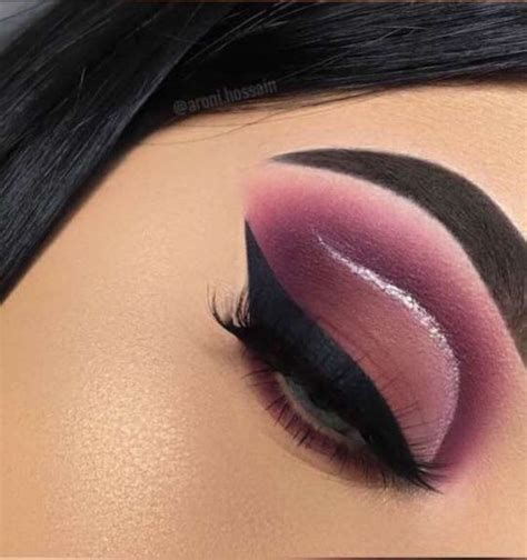 Adorable Valentines Day Makeup Look Ideas 20