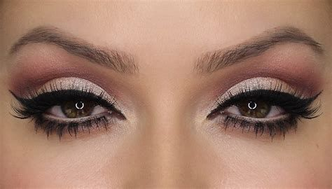 Adorable Valentines Day Makeup Look Ideas 21