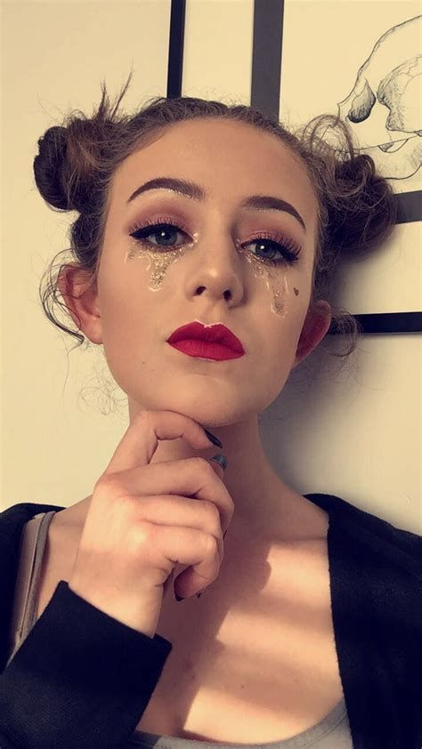 Adorable Valentines Day Makeup Look Ideas 23