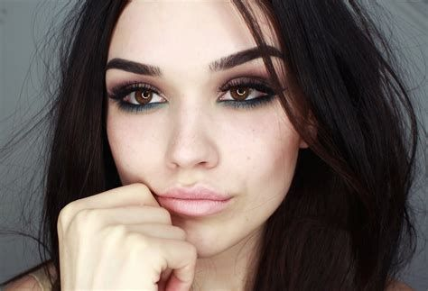 Adorable Valentines Day Makeup Look Ideas 25