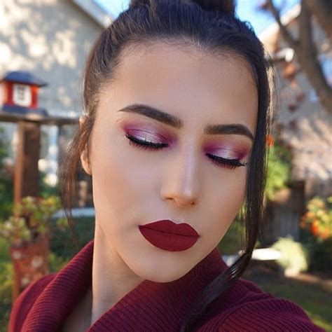 Adorable Valentines Day Makeup Look Ideas 32
