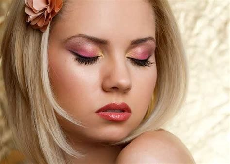 Adorable Valentines Day Makeup Look Ideas 37