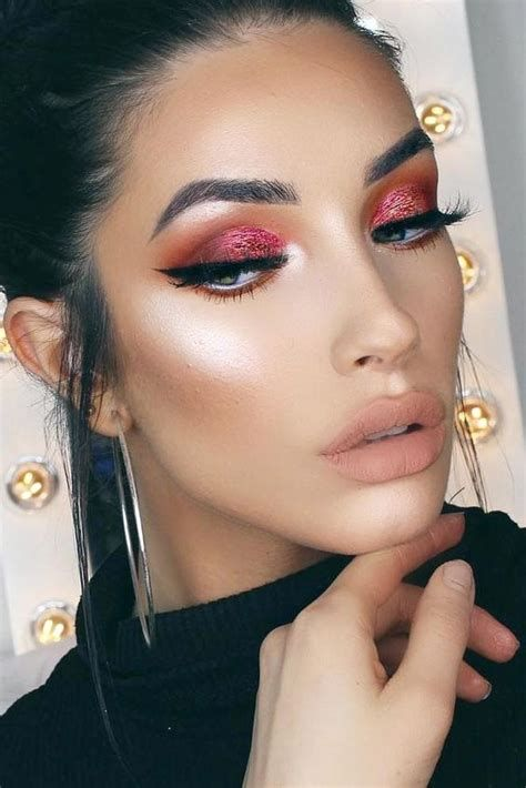 Adorable Valentines Day Makeup Look Ideas 39