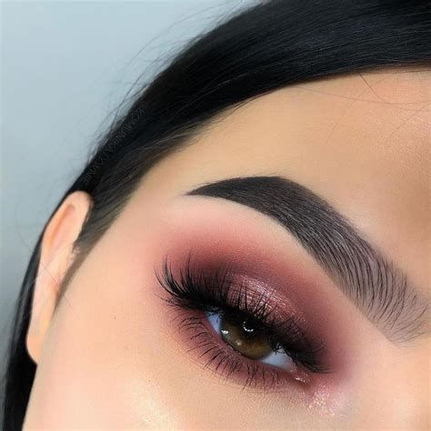 Adorable Valentines Day Makeup Look Ideas 42