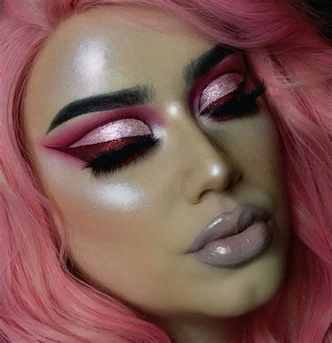 Adorable Valentines Day Makeup Look Ideas 44