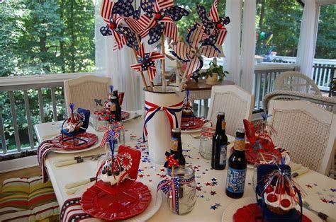 Amazing Patriotic Table Decorations Ideas 02