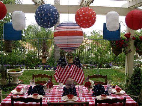 Amazing Patriotic Table Decorations Ideas 06