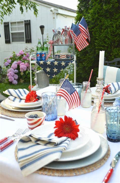 Amazing Patriotic Table Decorations Ideas 09