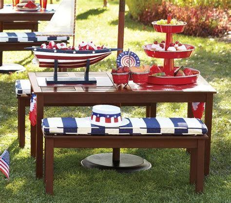 Amazing Patriotic Table Decorations Ideas 10