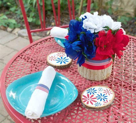 Amazing Patriotic Table Decorations Ideas 15