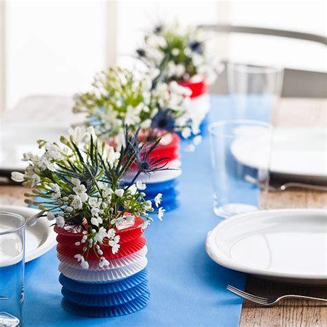 Amazing Patriotic Table Decorations Ideas 16