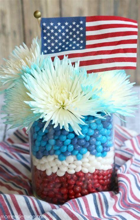 Amazing Patriotic Table Decorations Ideas 22