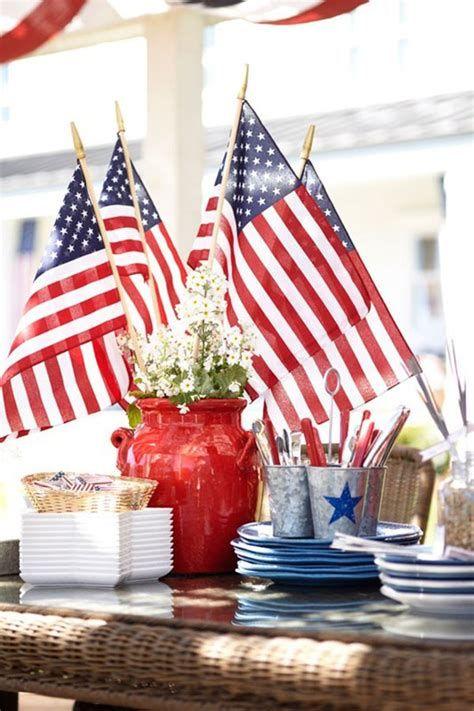 Amazing Patriotic Table Decorations Ideas 26