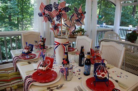 Amazing Patriotic Table Decorations Ideas 29