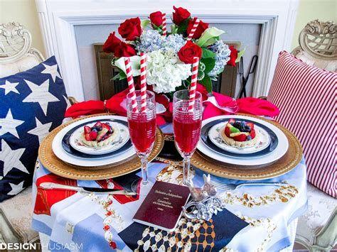 Amazing Patriotic Table Decorations Ideas 30