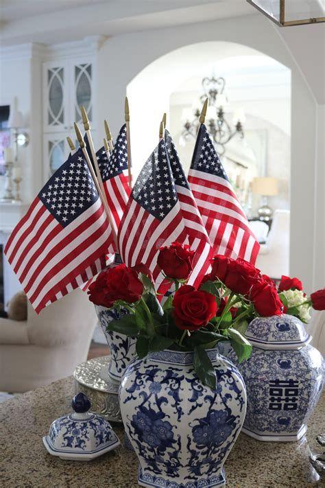 Amazing Patriotic Table Decorations Ideas 31