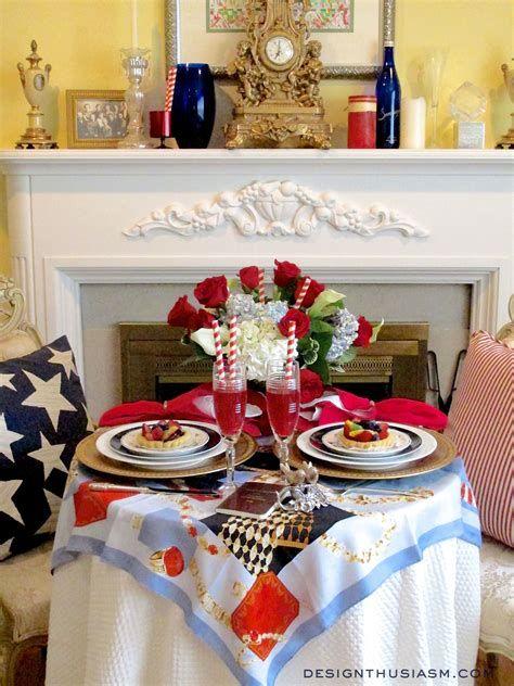 Amazing Patriotic Table Decorations Ideas 32