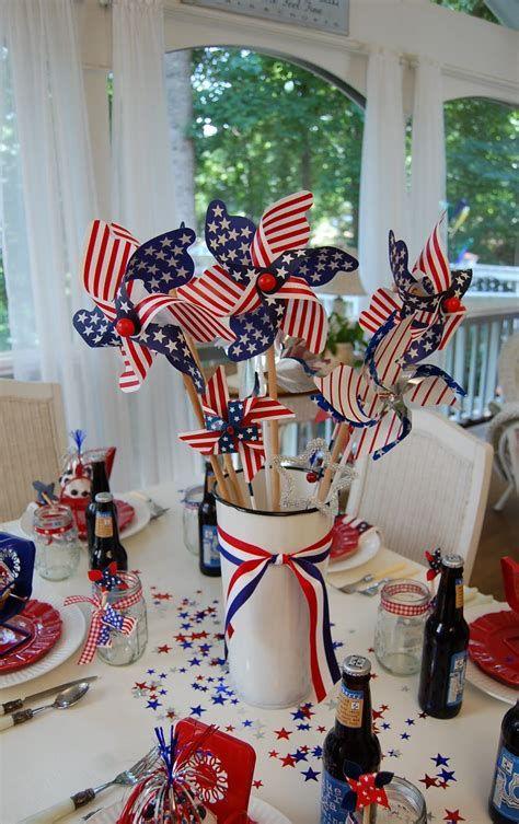 Amazing Patriotic Table Decorations Ideas 33