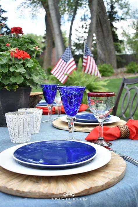 Amazing Patriotic Table Decorations Ideas 36