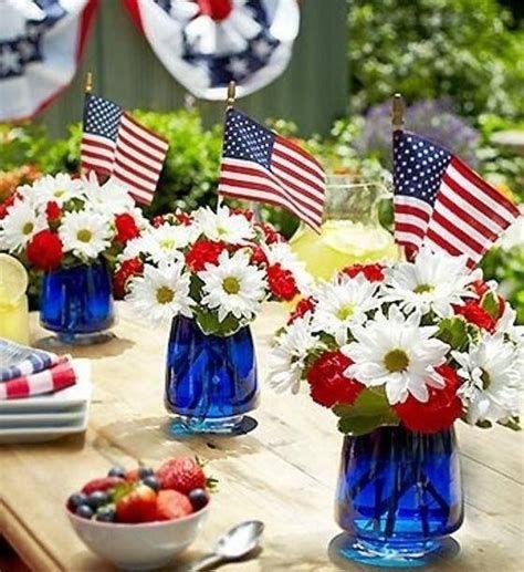 Amazing Patriotic Table Decorations Ideas 37