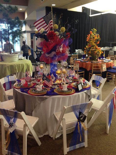 Amazing Patriotic Table Decorations Ideas 38