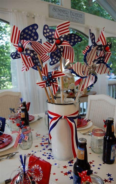 Amazing Patriotic Table Decorations Ideas 40