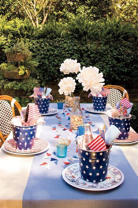 Amazing Patriotic Table Decorations Ideas 42