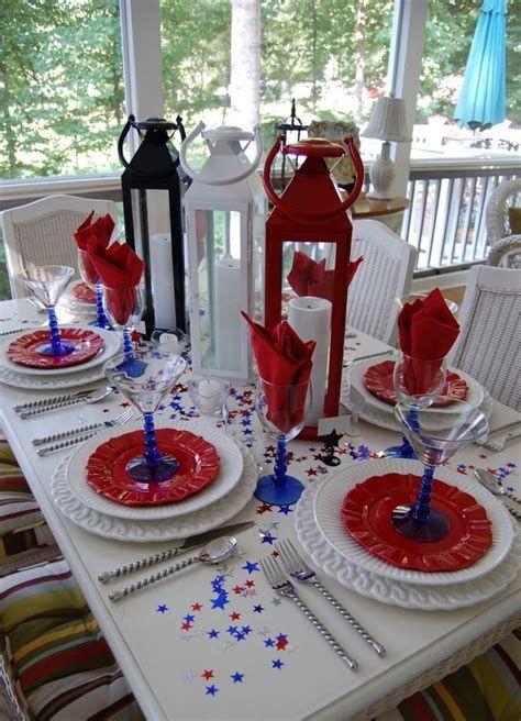 Amazing Patriotic Table Decorations Ideas 43