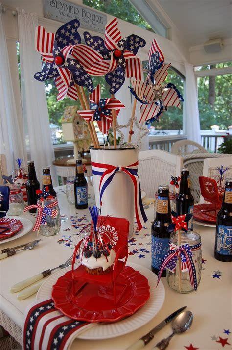 Amazing Patriotic Table Decorations Ideas 44