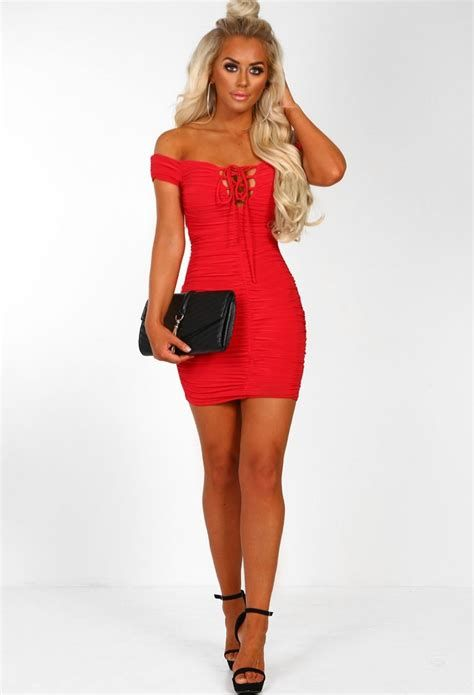 Amazing Pink And Red Dresses Ideas 16