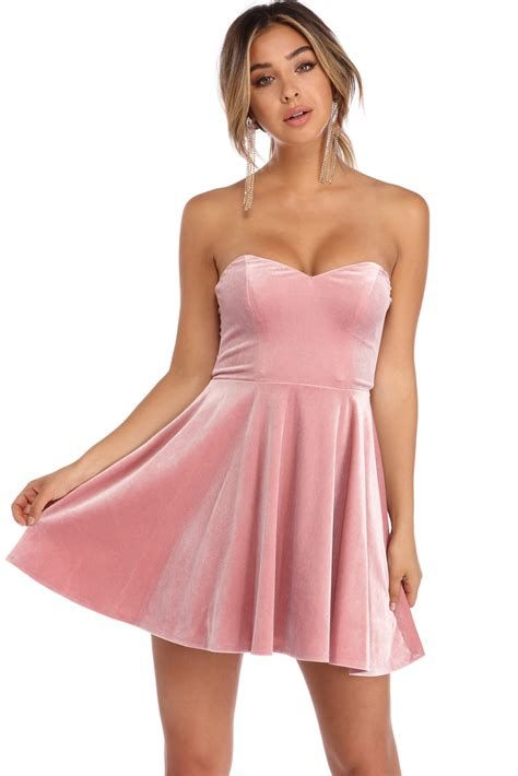 Amazing Pink And Red Dresses Ideas 18