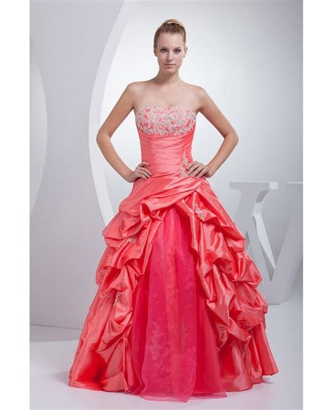 Amazing Pink And Red Dresses Ideas 23