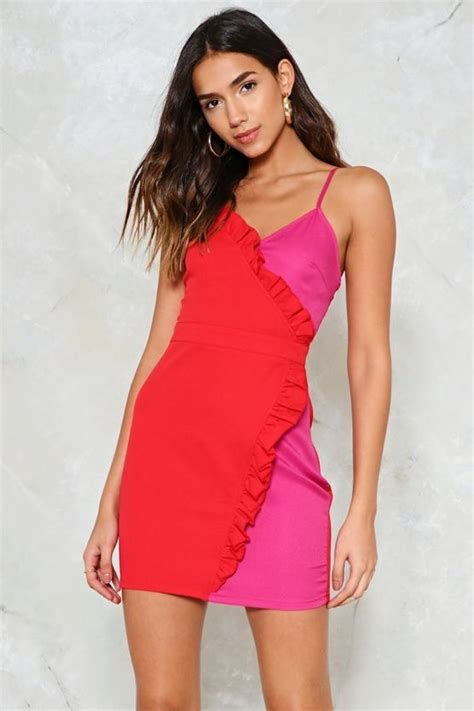 Amazing Pink And Red Dresses Ideas 29
