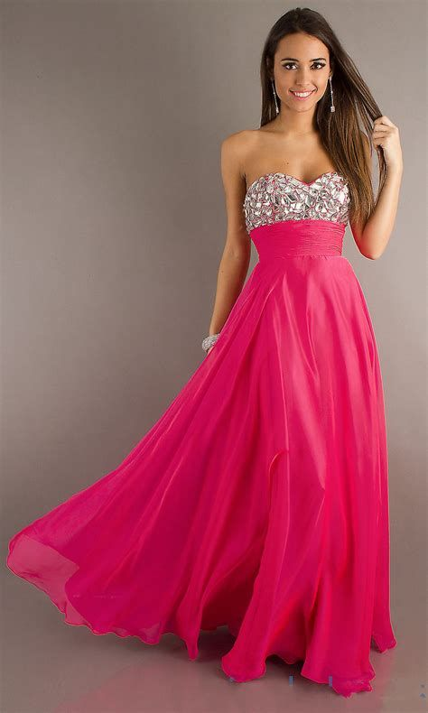 Amazing Pink And Red Dresses Ideas 31