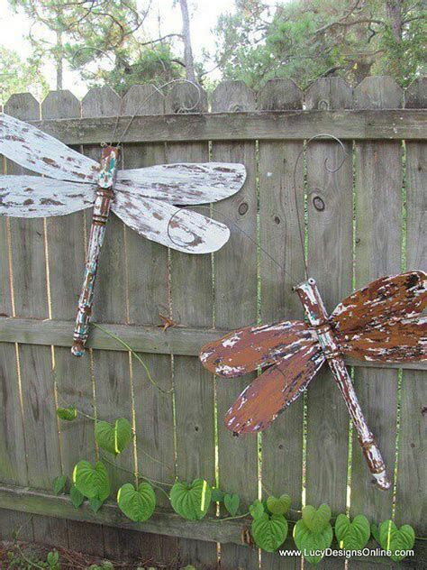 Amazing Wood Yard Art Ideas 39