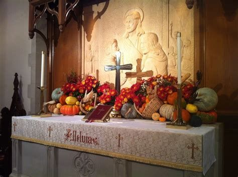 Awesome Church Decoration Ideas For Thanksgiving 04