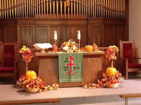 Awesome Church Decoration Ideas For Thanksgiving 26
