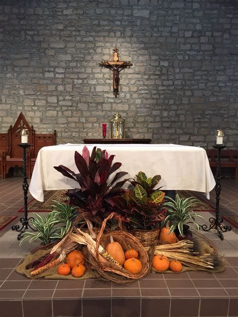 Awesome Church Decoration Ideas For Thanksgiving 29