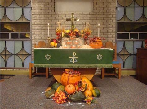 Awesome Church Decoration Ideas For Thanksgiving 34