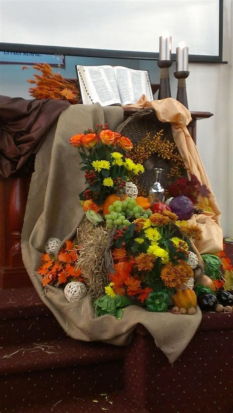 Awesome Church Decoration Ideas For Thanksgiving 38