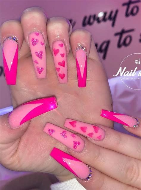 Beautiful Nail Designs For Valentines Day 27