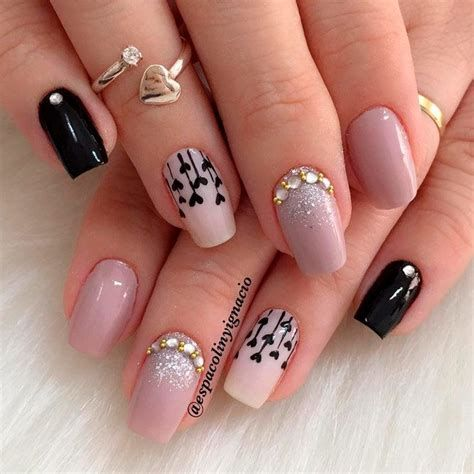 Beautiful Nail Designs For Valentines Day 33