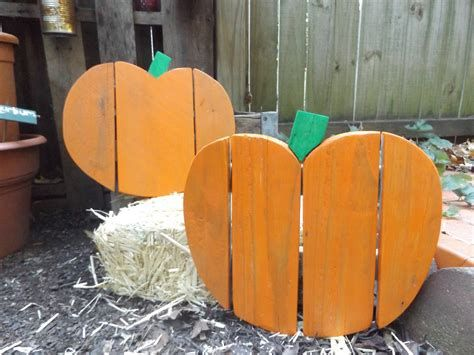 Beautiful Wooden Pumpkins For Yard 14