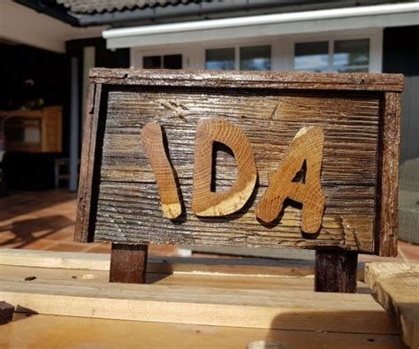 Brilliant Rustic Wood Signs Diy 32