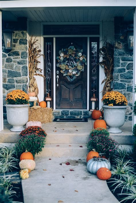 Comfortable Front Porch Decoration Ideas 02