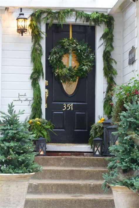 Comfortable Front Porch Decoration Ideas 04