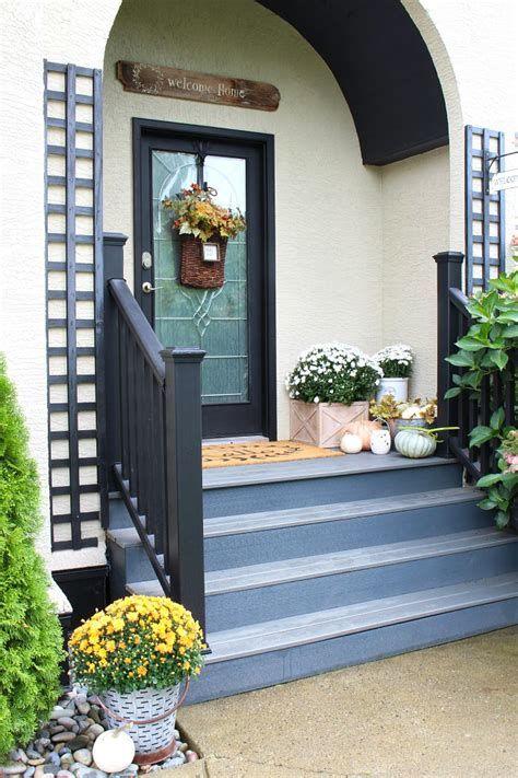 Comfortable Front Porch Decoration Ideas 05